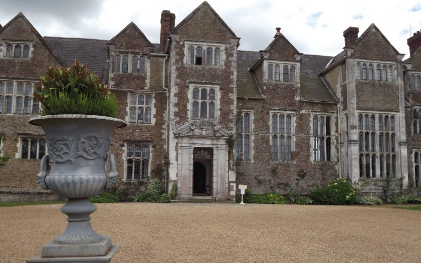 North_Front,_Loseley_House-geograph-3018734-by-Colin-Smith_WEB