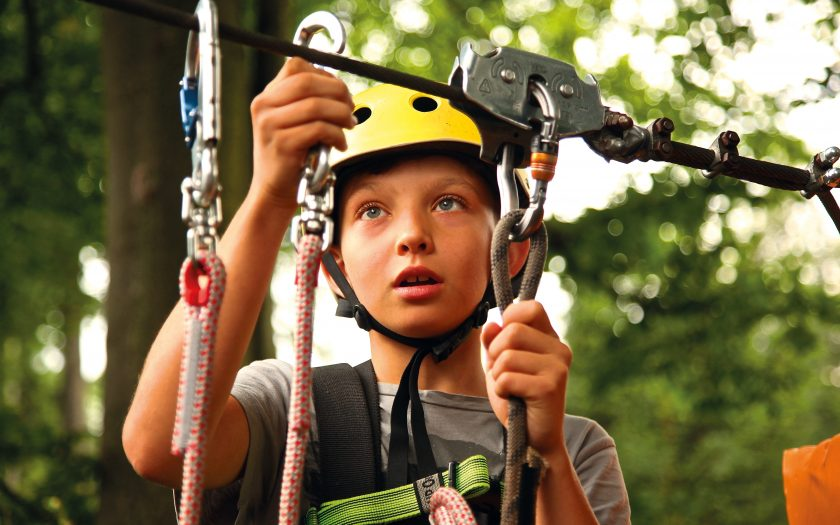 boy-carabiners-child-434400_2_WEB
